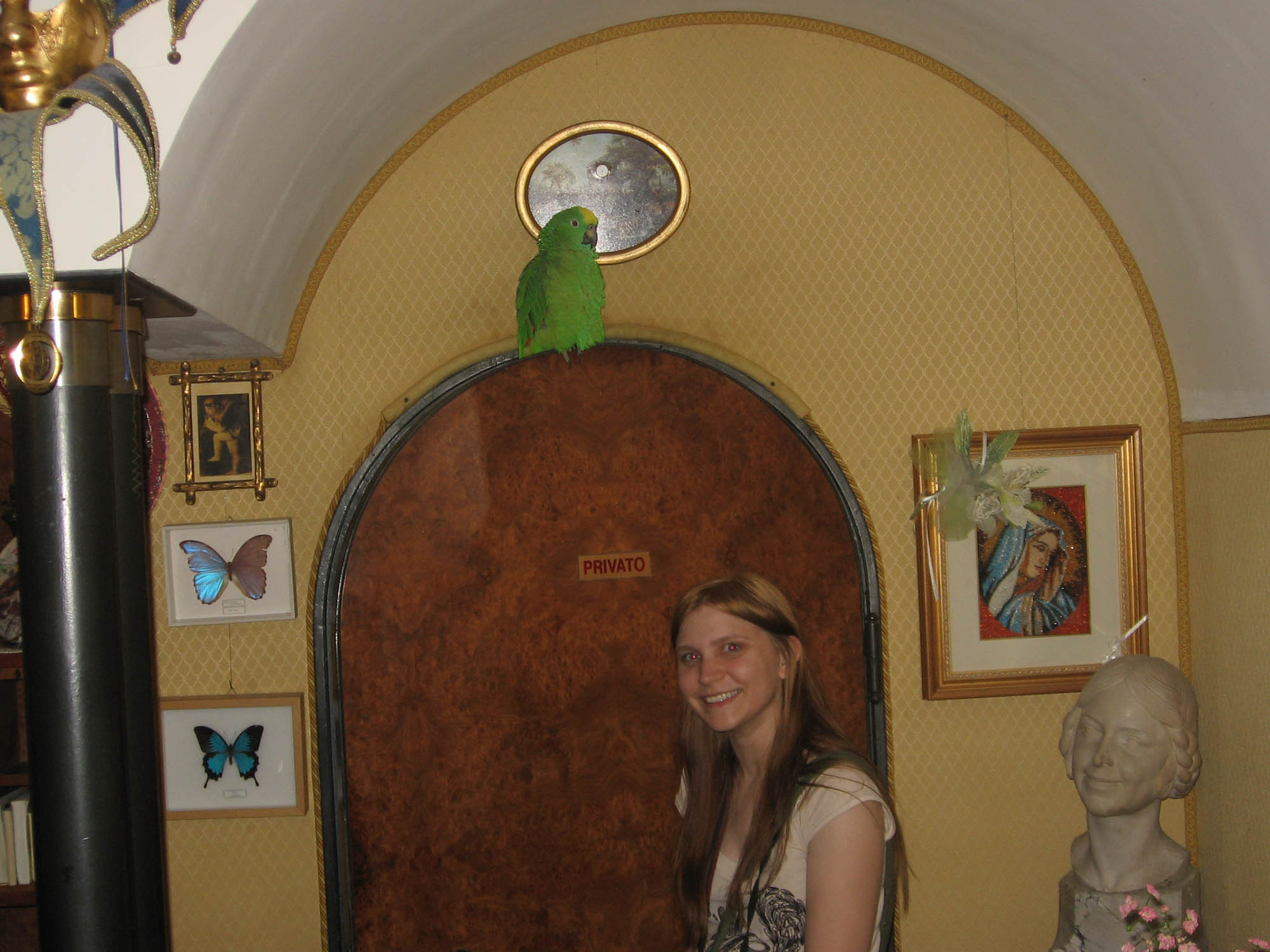Val meets a parrot at Casa Peron in Venice, Italy