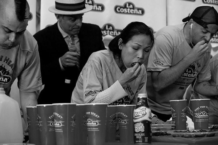 La Costeña Feel the Heat Jalapeño Eating Challenge