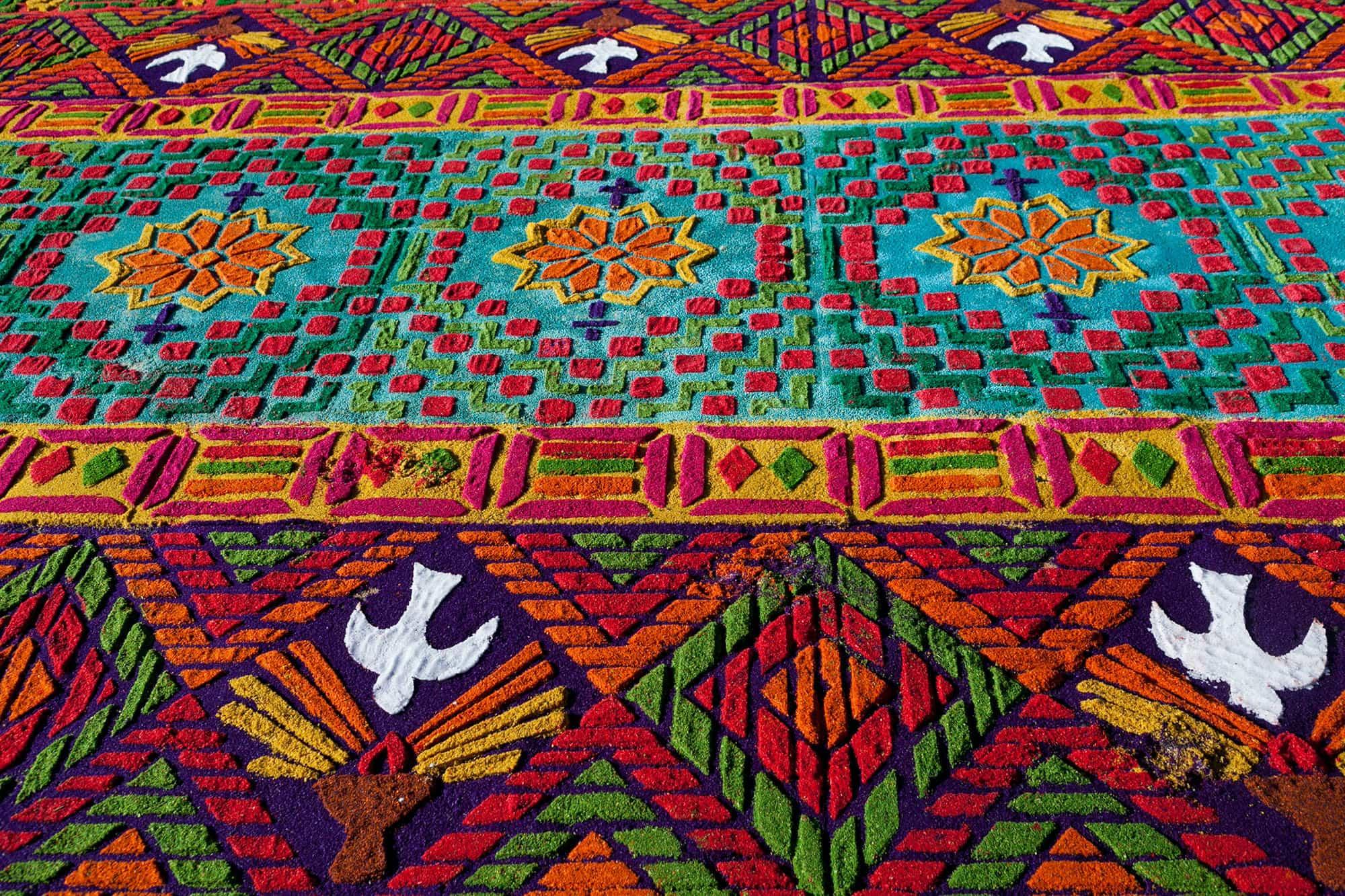 Alfombras mas bajo alfombra para camineros alfombras y for Precios alfombras persas originales