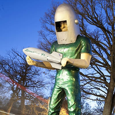 Take a road tip to Illinois Road Trip - Illinois Road Trip Roadside Attractions