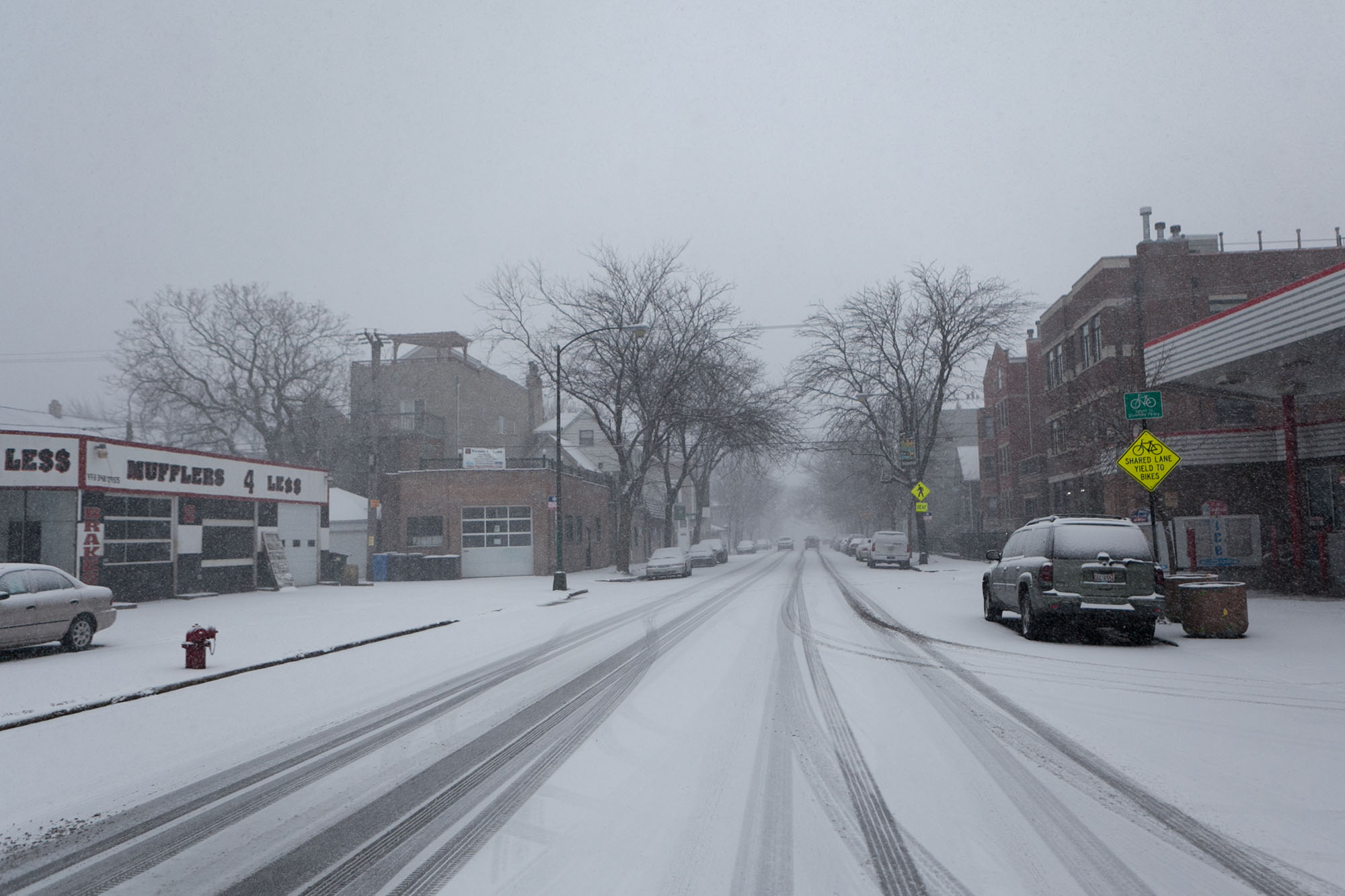 Christmas snow in Roscoe Village, Chicago