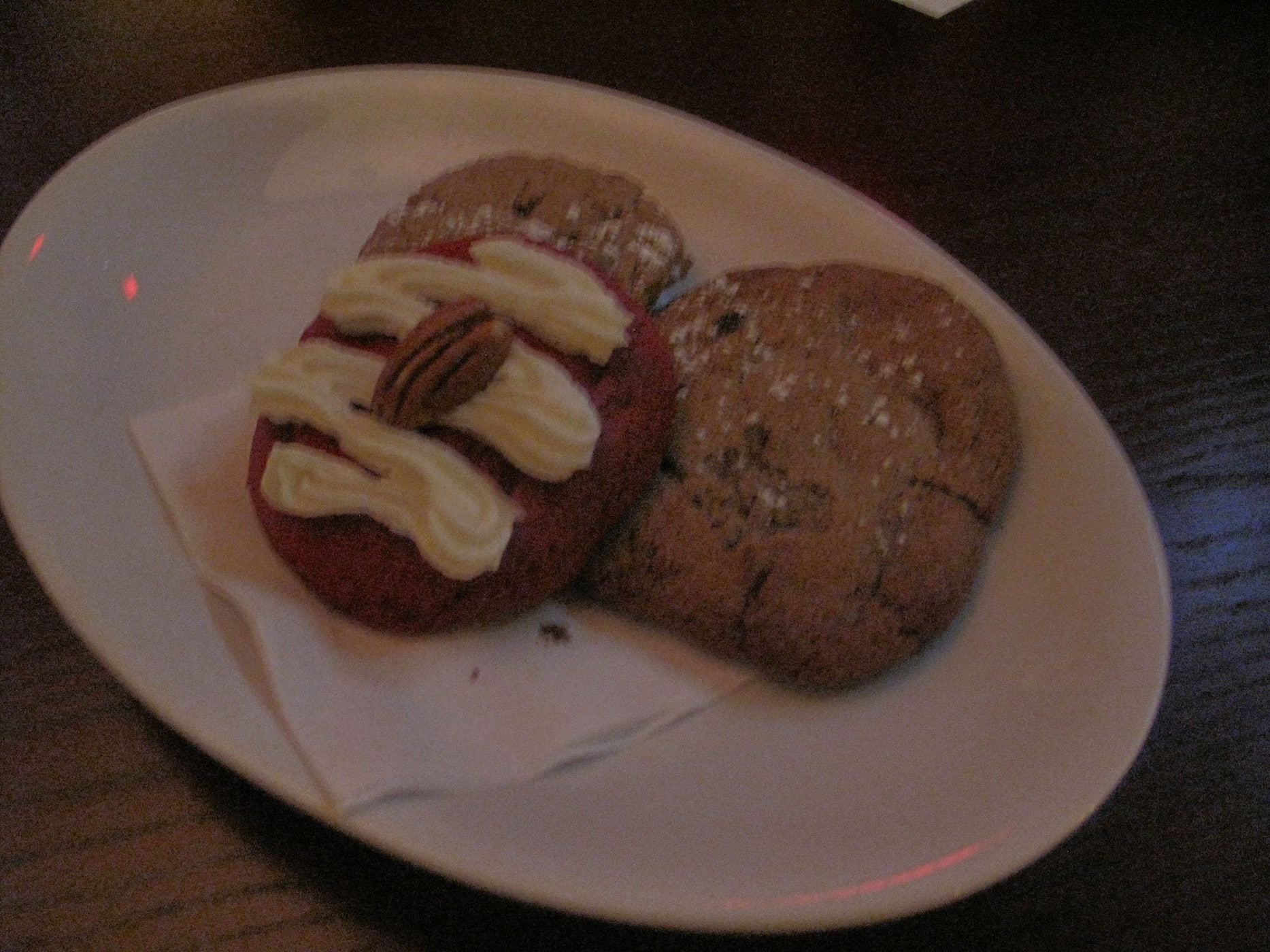 Dessert of cookies at the GrubWithUs Chicago Q meal.