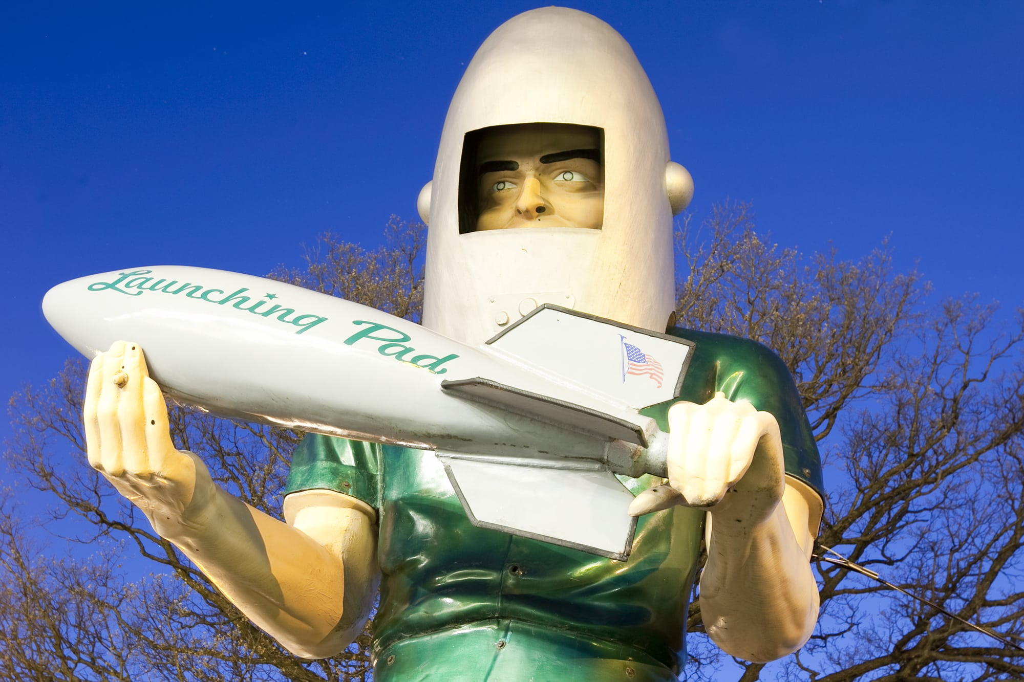 Location Lighting Assignment: Lighting roadside attractions on a road trip - Gemini Giant at Launching Pad Drive-In