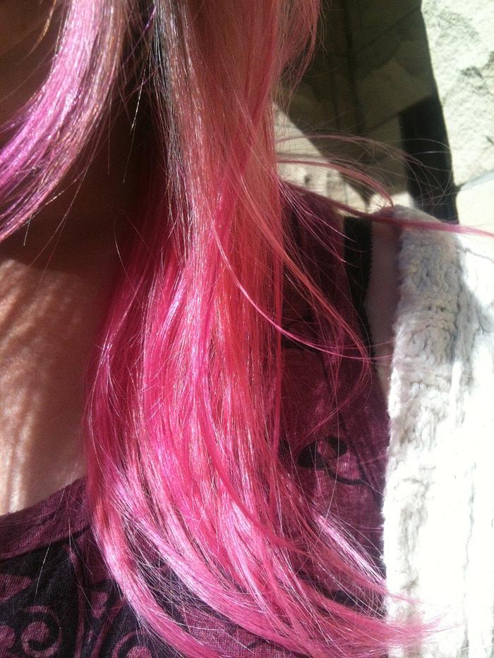 Candy pink hair. Choosing Figs. <3