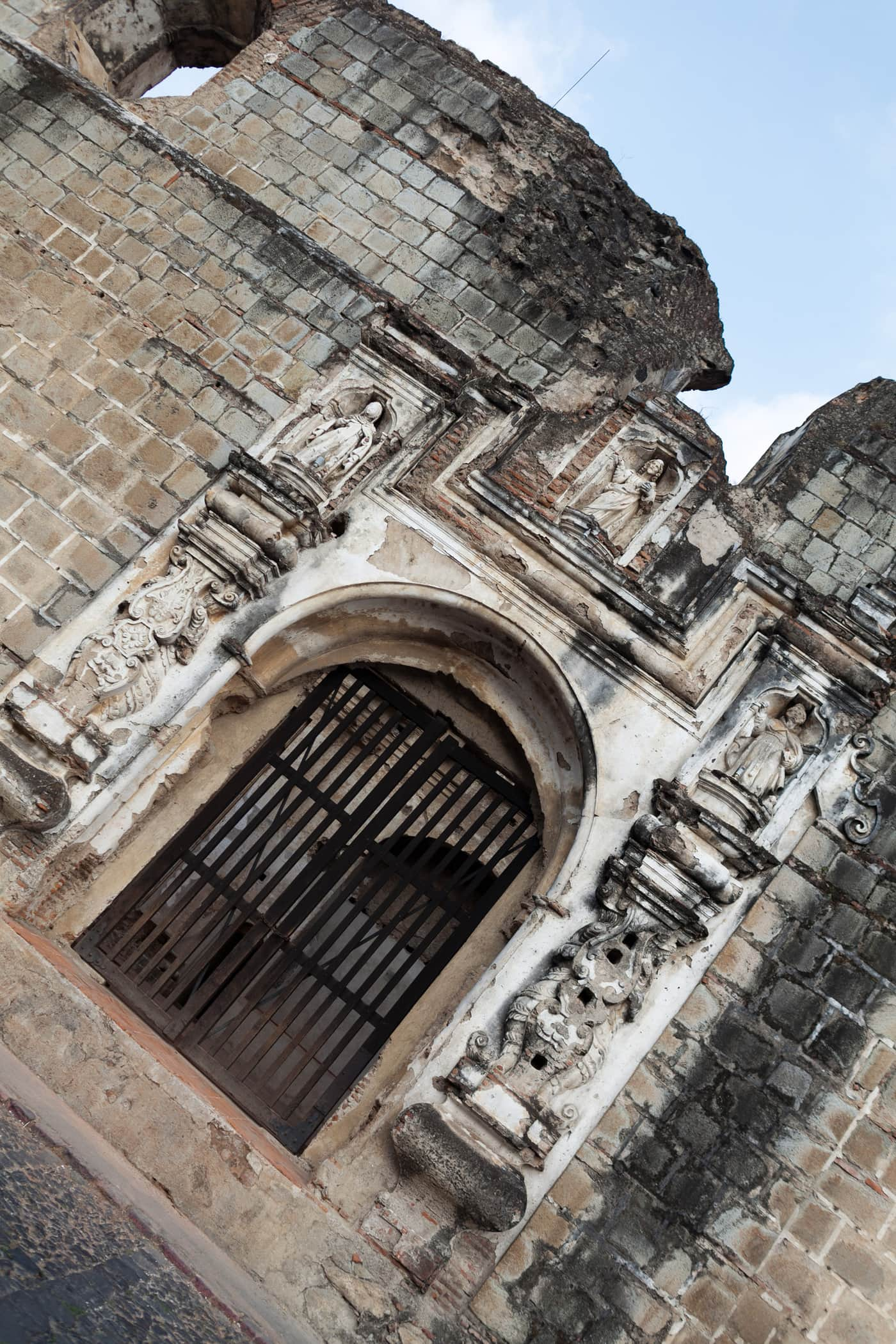 Iglesia y Convento de Santa Clara in Antigua, Guatemala.