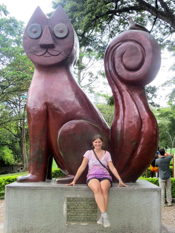 Cat Park - Parque El Gato De Tejada - Cali, Colombia