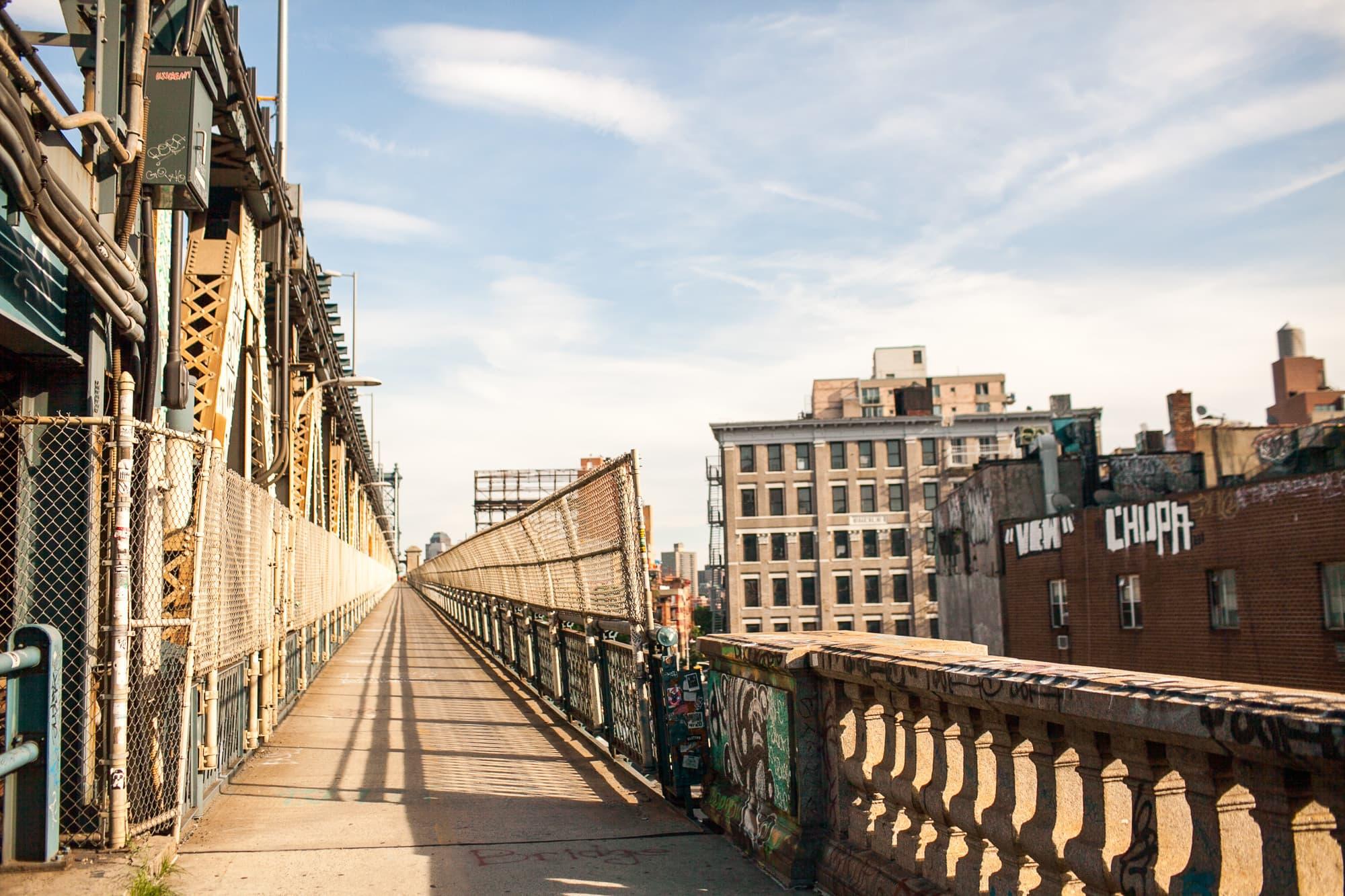 Walk across the Manhattan Bridge