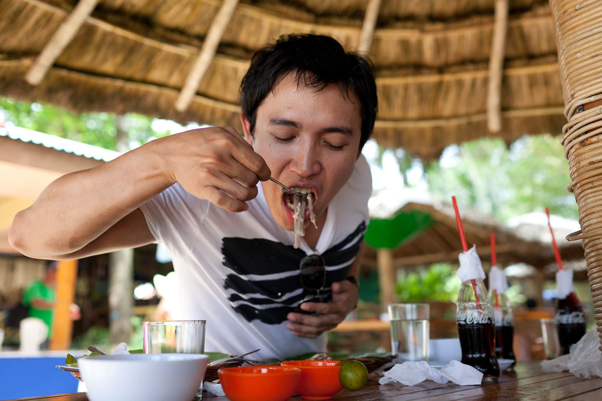 I ate a worm. Eating tamilok worm in Puerto Princesa, Philippines - woodworm, shipworm.