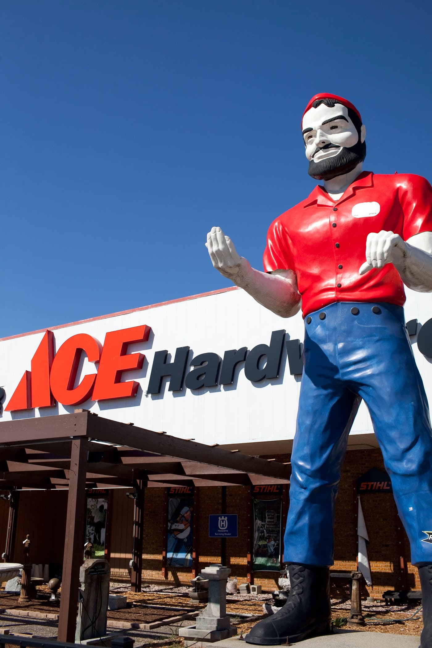 muffler man outside of an Ace Hardware in Elkhart, Indiana