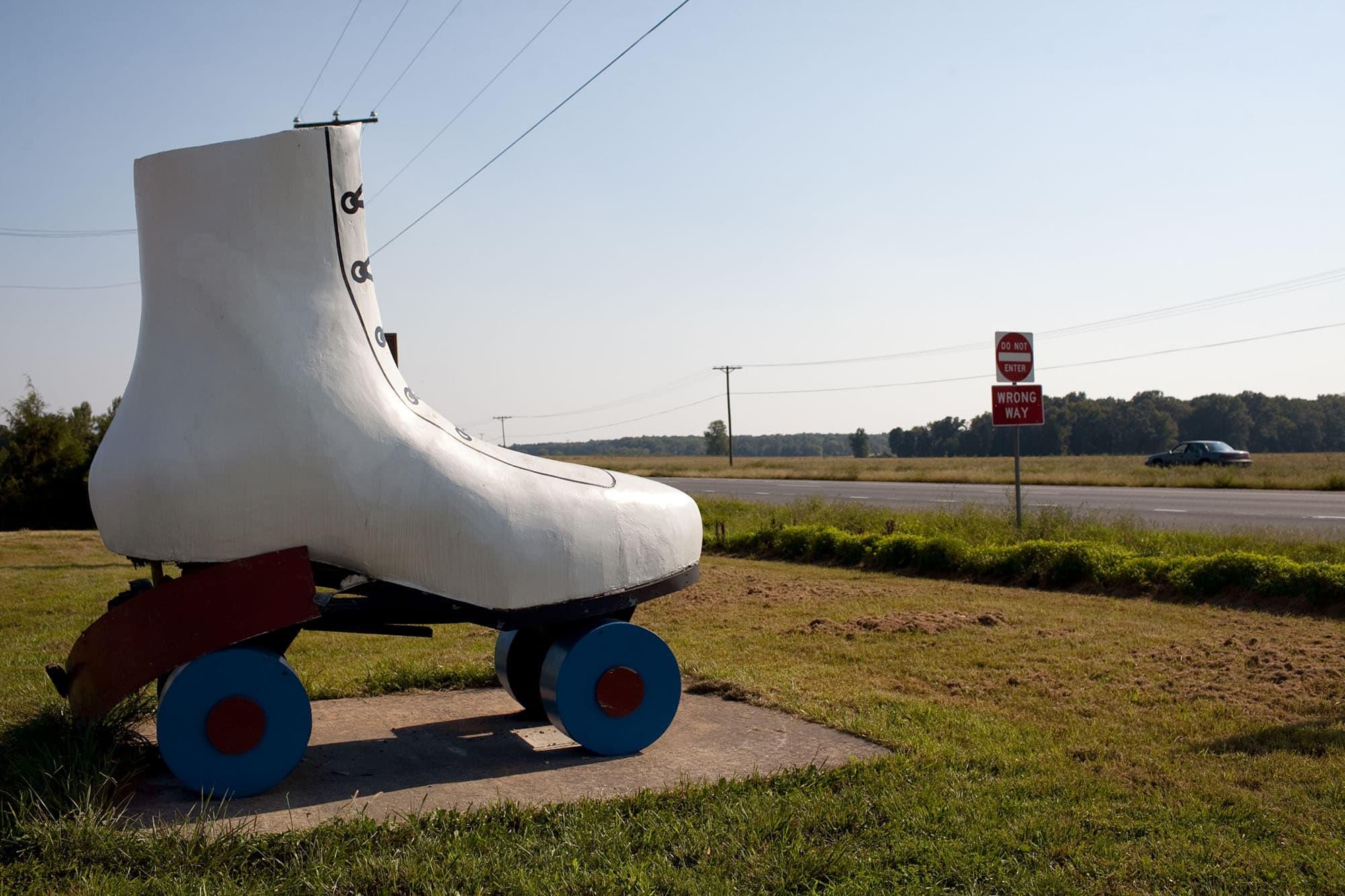 Virginia/North Carolina Road Trip - Giant Rollerskate in Virginia