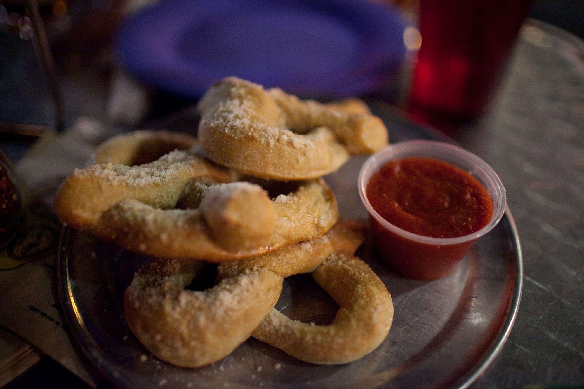 Virginia/North Carolina Road Trip - garlic parmesan pretzels at Mellow Mushroom