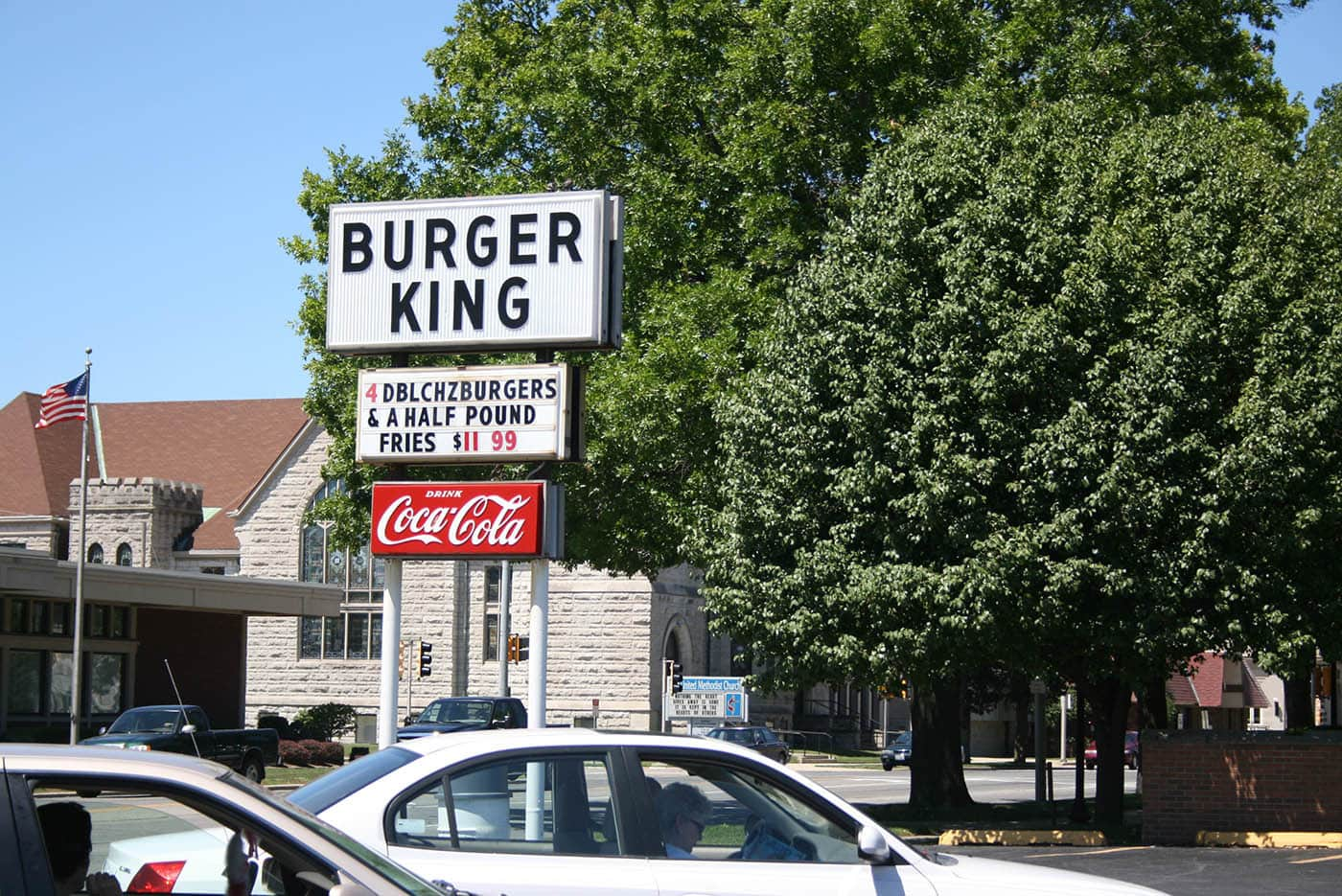 "ILLINOIS ROAD TRIP AND ROADSIDE ATTRACTIONS: THE ORIGINAL ""BURGER KING"" IN MATTOON"