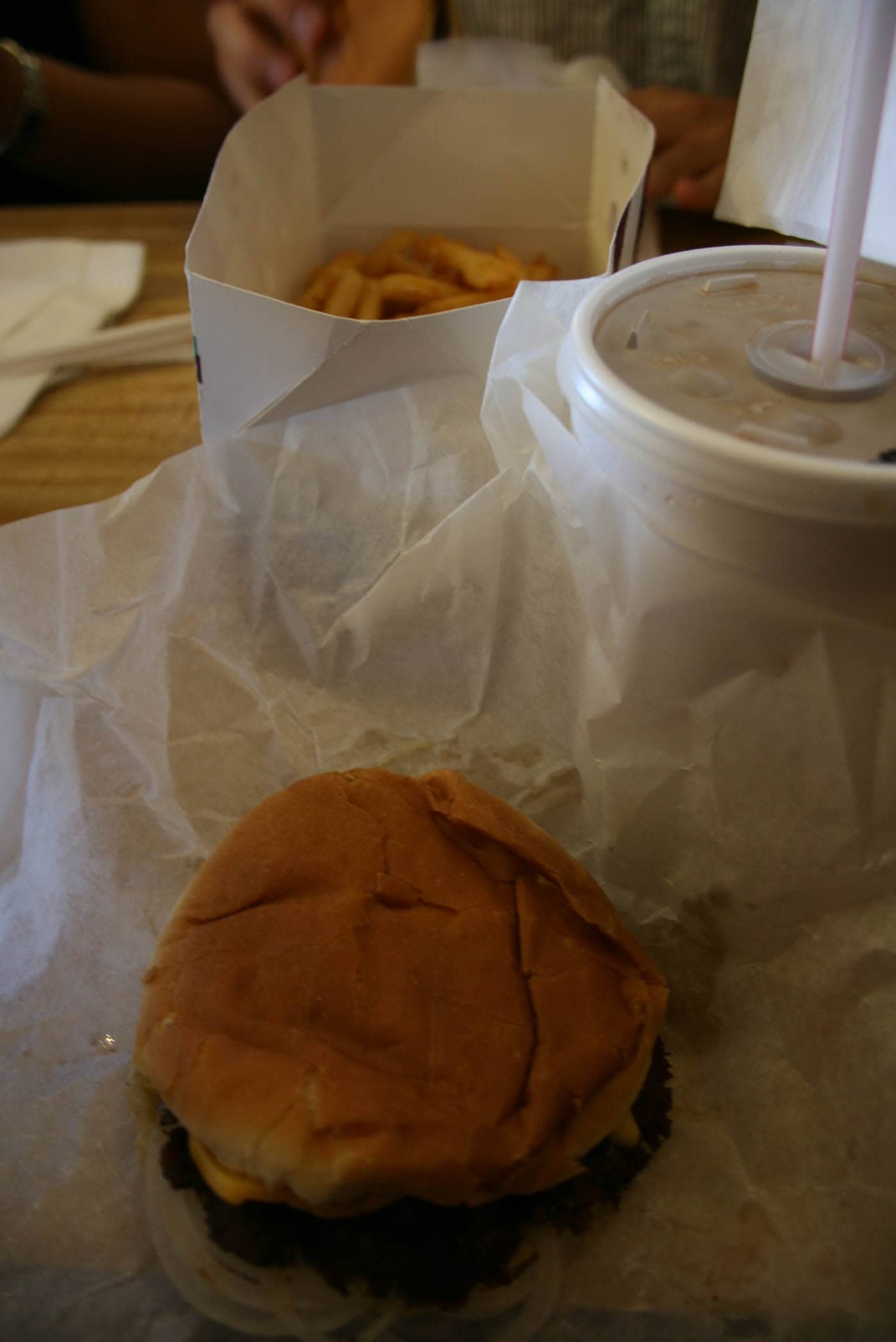 """ILLINOIS ROAD TRIP AND ROADSIDE ATTRACTIONS: THE ORIGINAL """"BURGER KING"""" IN MATTOON"""