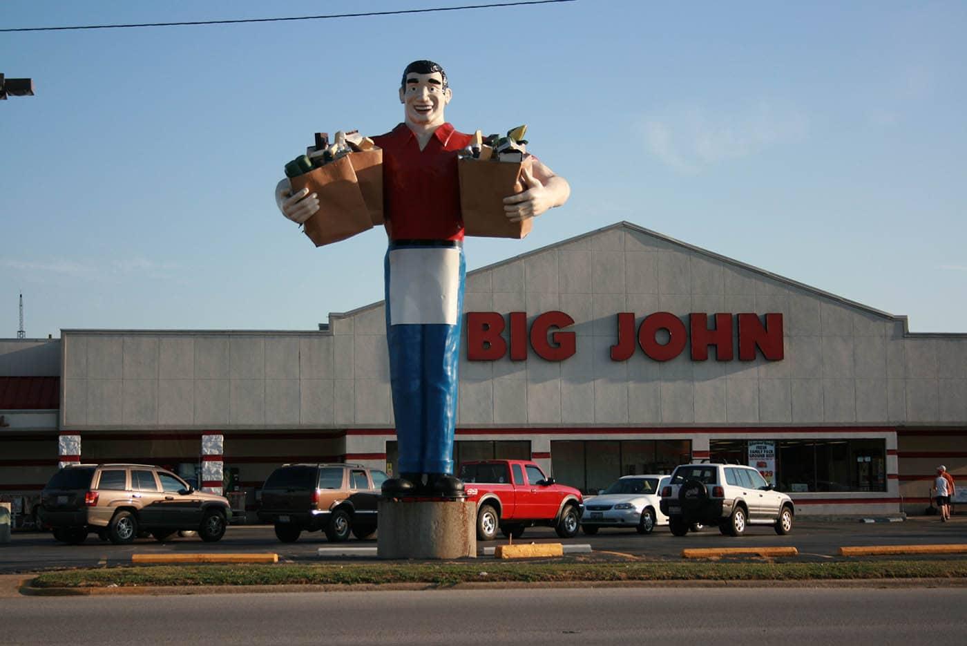 ILLINOIS ROAD TRIP AND ROADSIDE ATTRACTIONS: BIG JOHN, GROCERY CLERK IN METROPOLIS