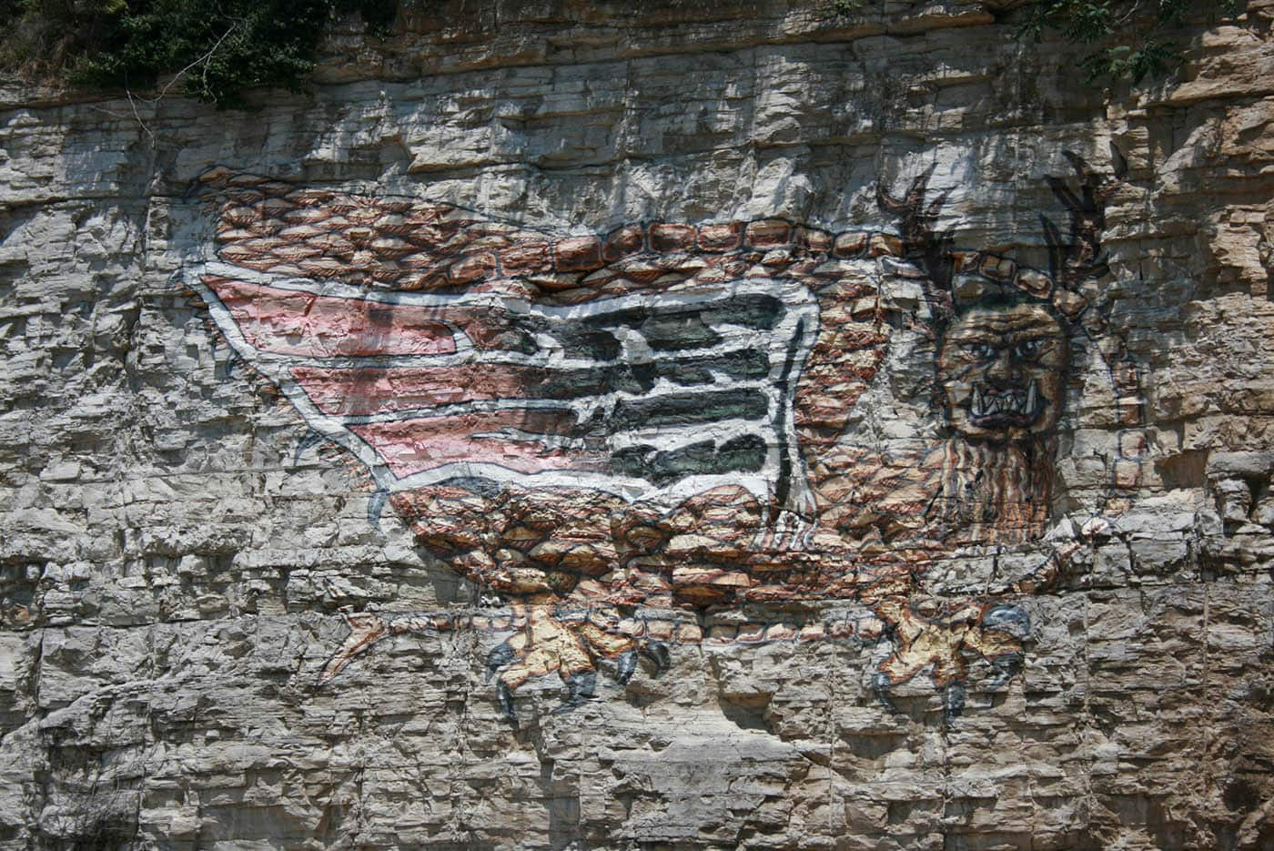 ILLINOIS ROAD TRIP AND ROADSIDE ATTRACTIONS: LEGEND OF THE PIASA BIRD IN ALTON