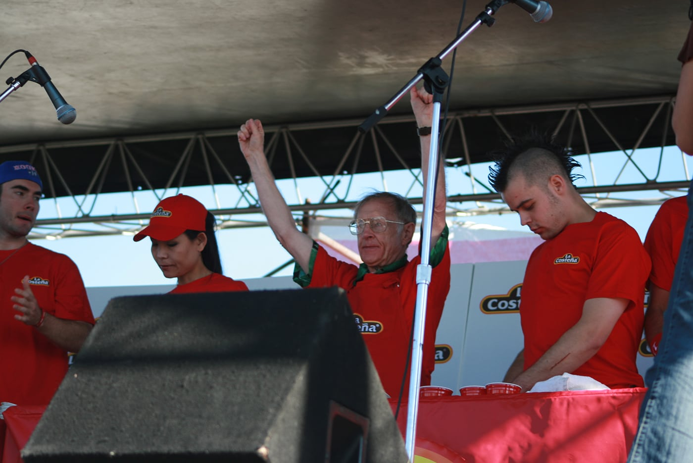 """Rich LeFevre eats at the La Costeña """"Feel the Heat"""" Jalapeño Eating Challenge - jalapeno eating contest in Chicago."""