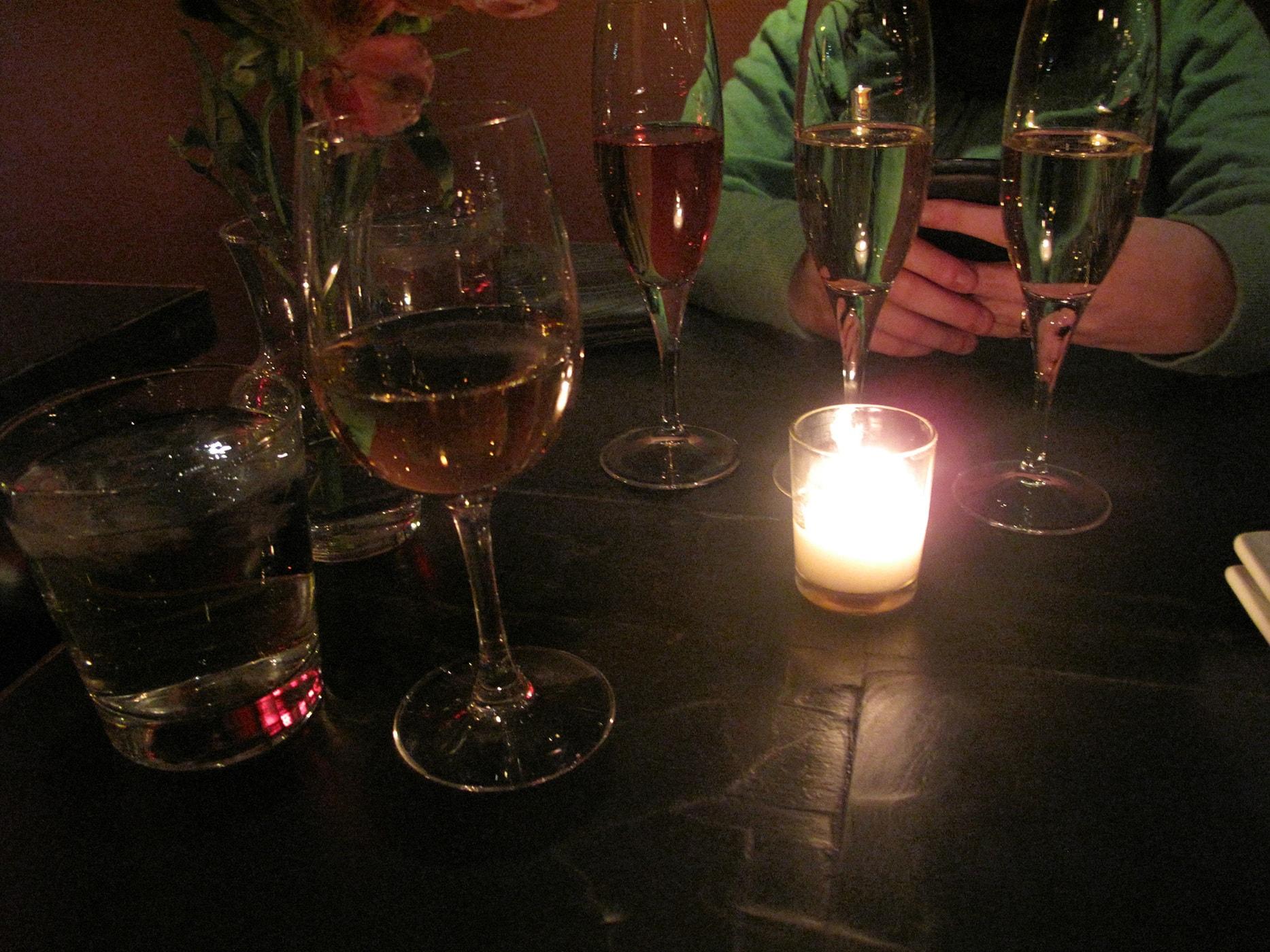 Volo Wine Bar in Chicago. Illinois
