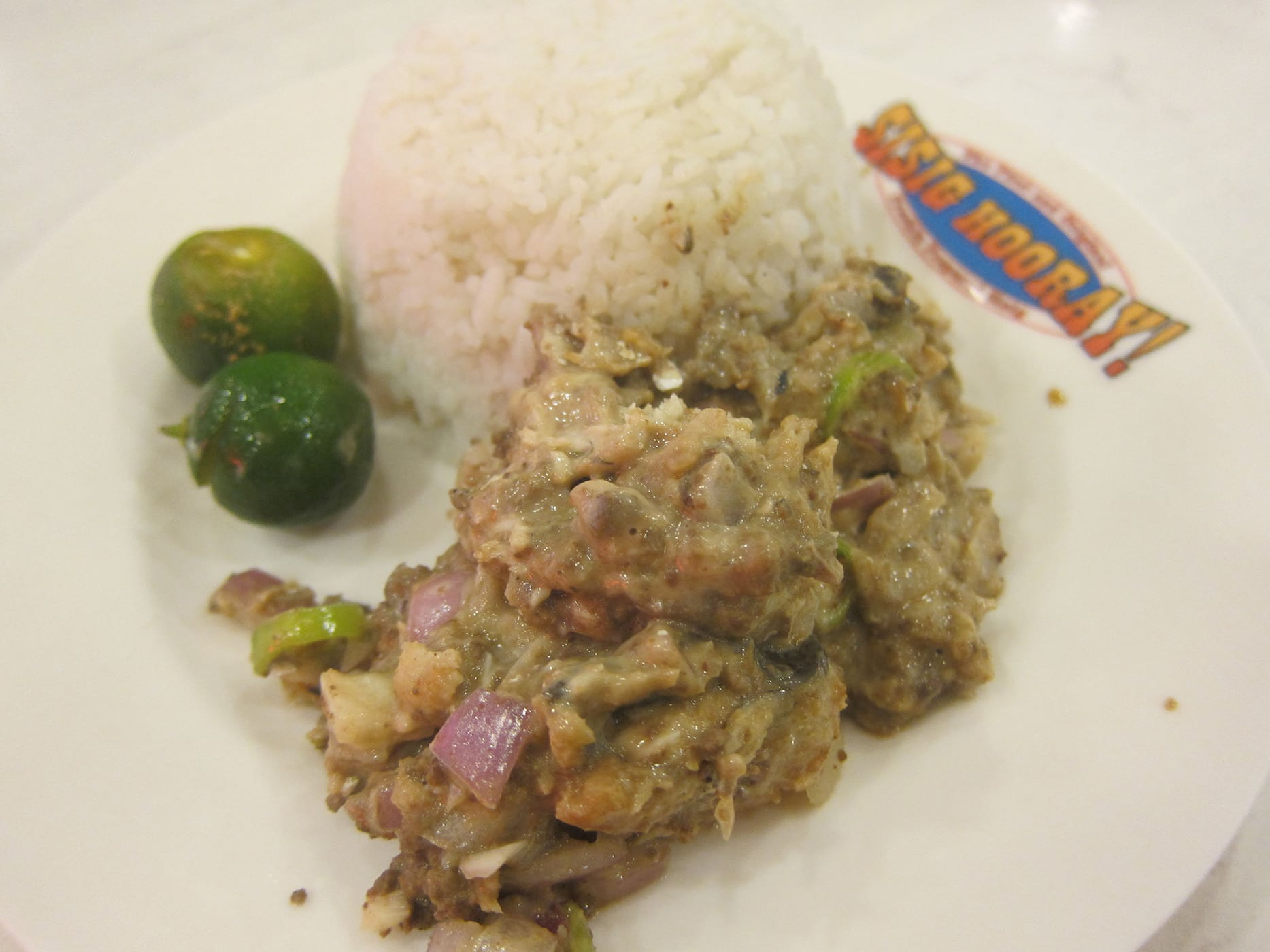 Food in the Philippines: What I ate in The Philippines.  Sisig in Manila, Philippines.