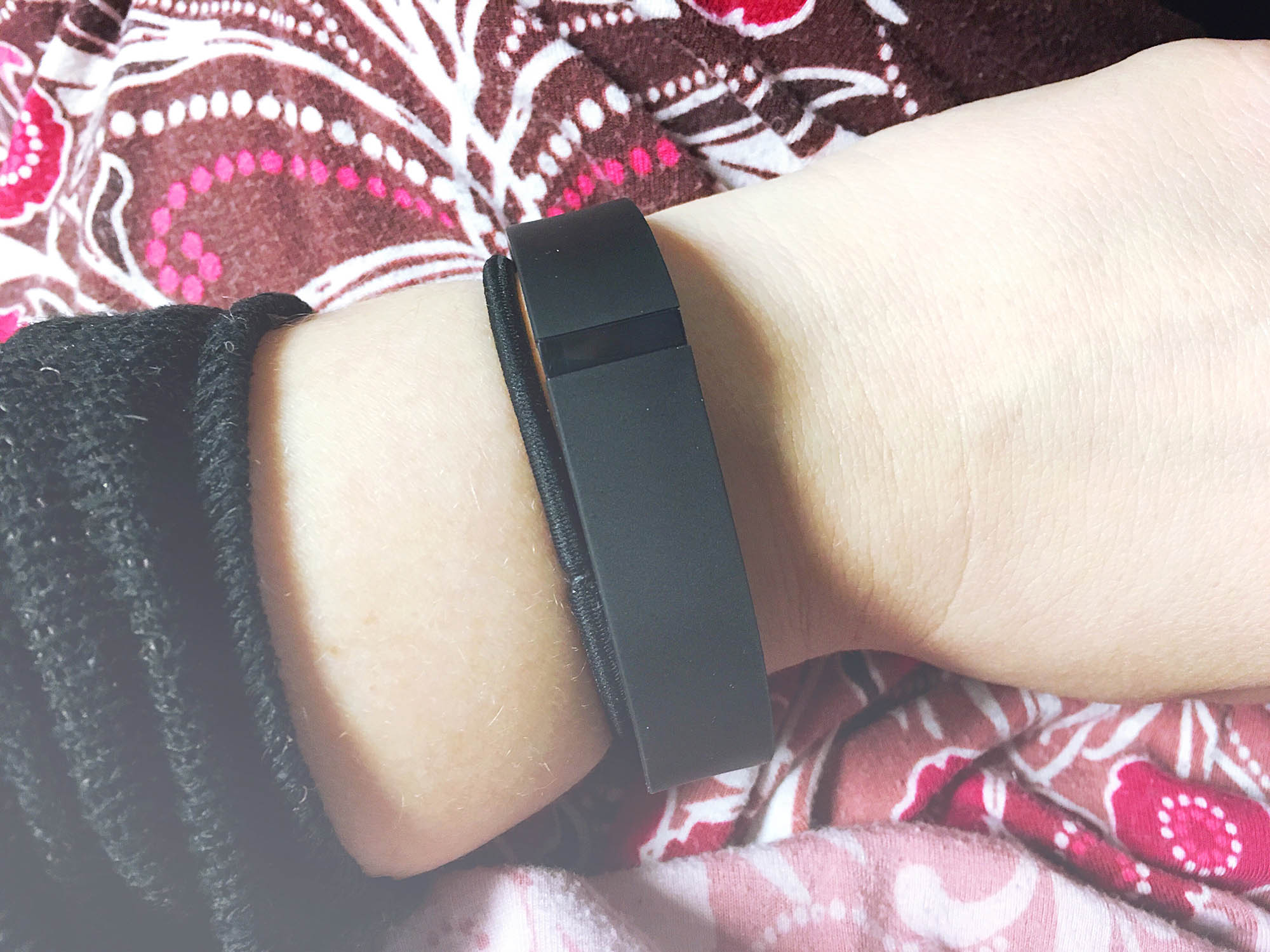 My fitbit - I got a bracelet that tells me I spend too much time sitting down. | How to finally start going to the gym