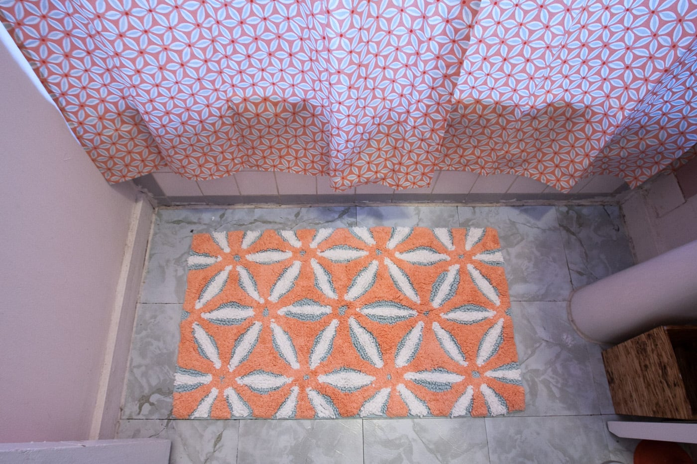 New pink and blue bath mat and shower curtain for my pink bathroom.